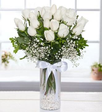Cam Vazoda Beyaz Gül 25 Adet